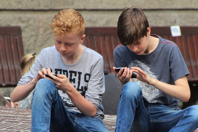 Jak styl życia nastolatka wpływa na jego wzrok?