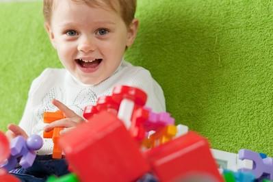 Zmniejsz liczbę zabawek dziecku! [NAUKOWE POWODY]