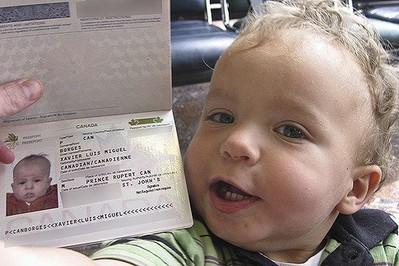 Co musisz załatwić przed wyjazdem za granicę z dzieckiem?