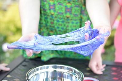 Jak zrobić slime? DIY bezpieczny przepis