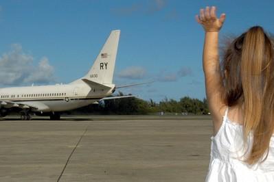 Lotnicze podróże z dzieckiem – wybierz odpowiedni cel podróży!