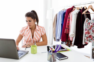 Biznes dla mamy. 9 sprawdzonych pomysłów na biznes w domu.