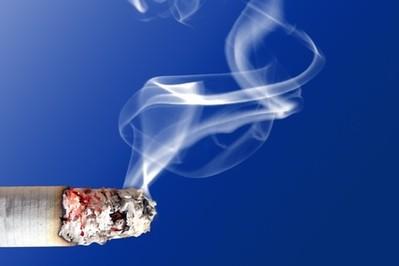 Jak usunąć zapach papierosów z mieszkania?