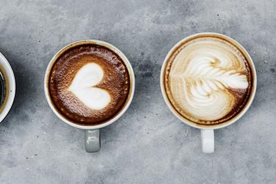 Kawa: jak działa i dlaczego tak ją lubimy. Co o kawie mówi nauka?