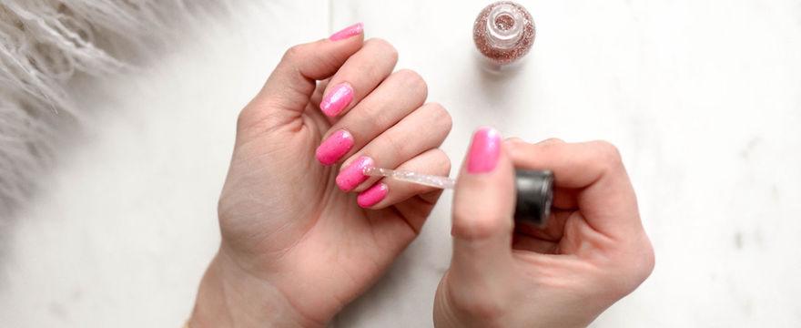 Jak wzmocnić paznokcie? Domowe sposoby