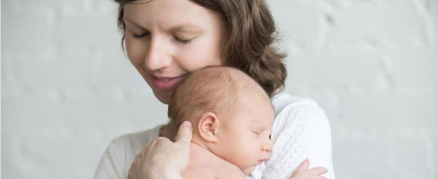 Samotne rodzicielstwo – wywiad z Elżbietą Dynarską