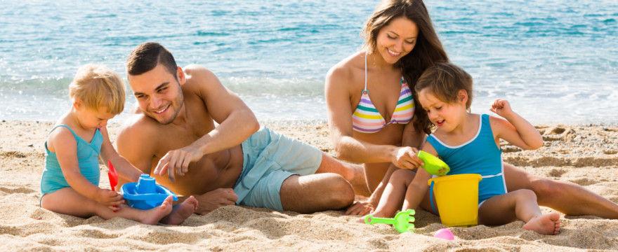 Podróże z dzieckiem za granicę: Co załatwić przed wyjazdem?