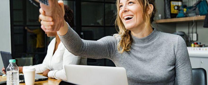 Pracująca mama: jak znaleźć życiową równowagę i nie zwariować?
