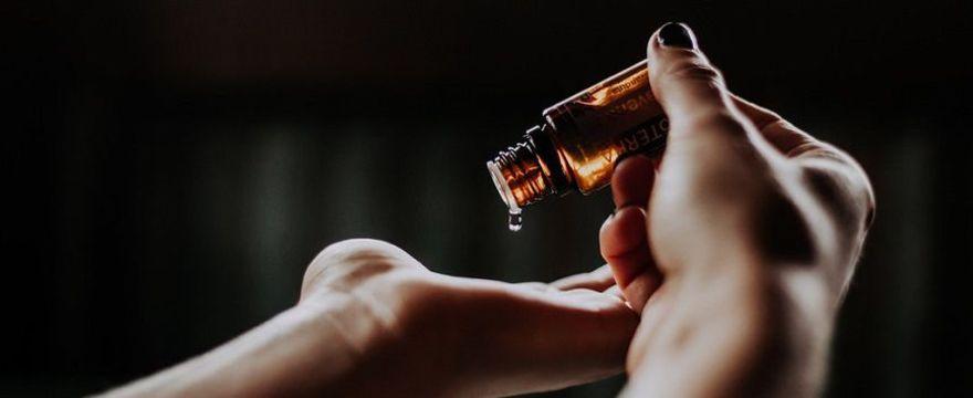 Naturalny antyperspirant, który zrobisz w domu: PRZEPIS na dezodorant z sodą oczyszczoną